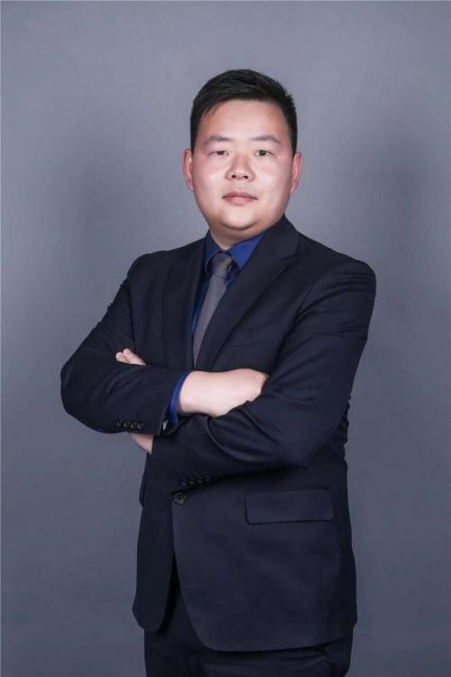 大众网报道:杨勇律师 ——在坚守信仰中坚定笃行